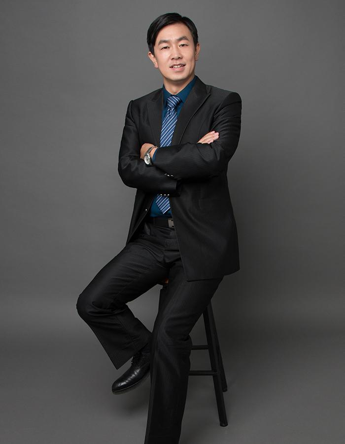王雄伟律师
