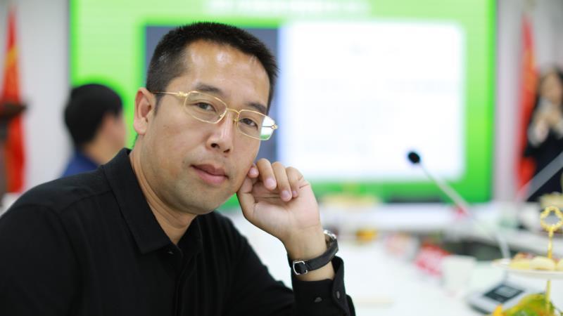 云南知名律师杨俭受邀参加中国刑事法律风险论坛大会并进行讲话。