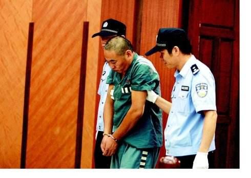 云南知名律师杨俭:为四川李某在昆明持枪杀人案辩护